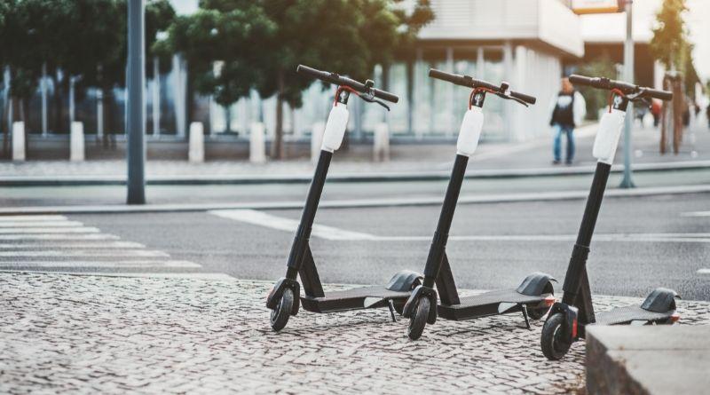 Bryter mot trafikregler med elsparkcykel kan ge böter